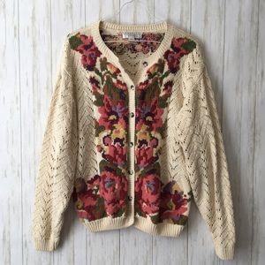 vintage • cream pink floral roses crochet cardigan
